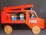 Träleksak - brandbil